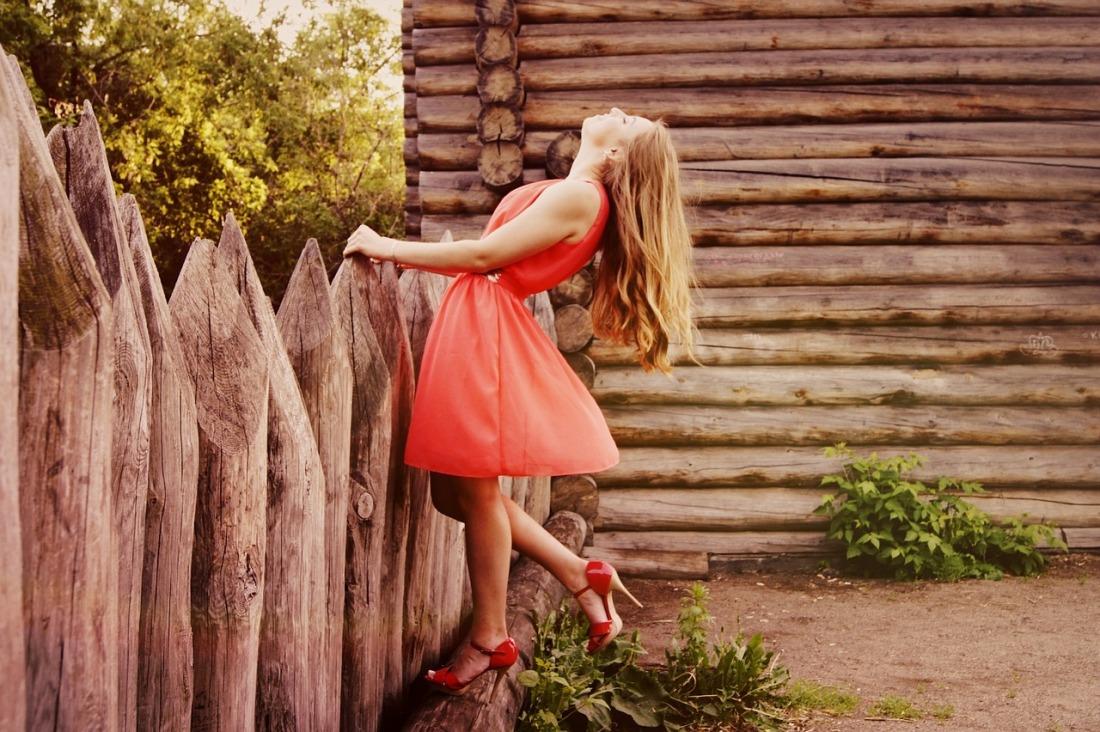 dress-864107_1280.jpg